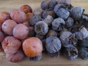 American persimmon fruits. Image copyright Jill Henderson